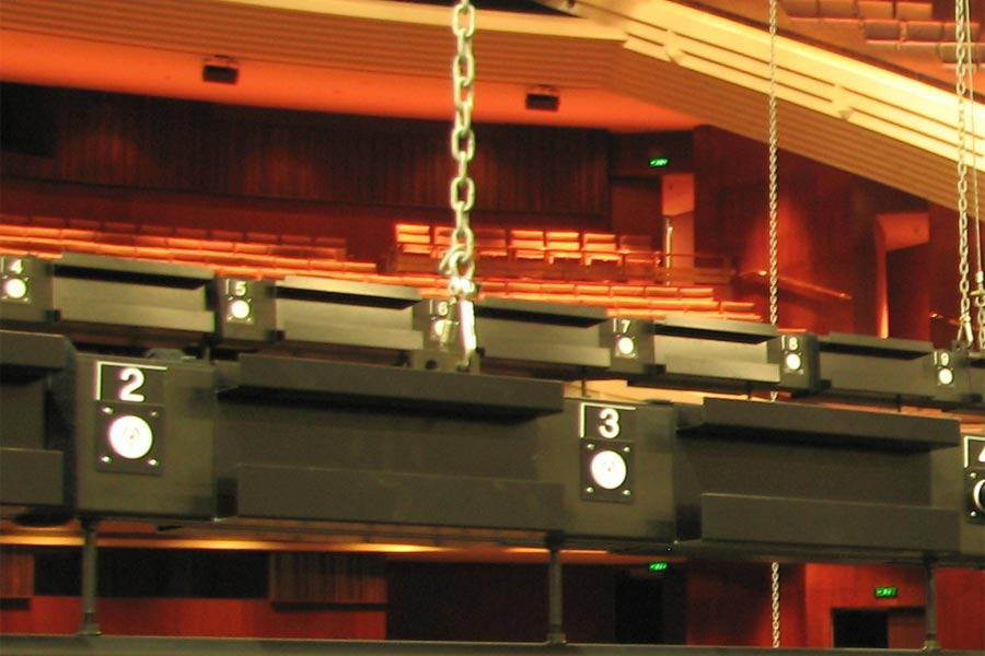 QPAC Protrac lighting bars Image 1