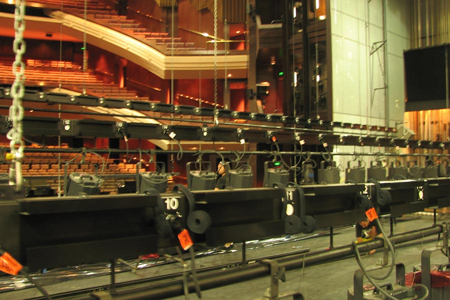 QPAC Protrac lighting bars Image 2